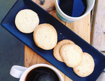 3-ingredient butter biscuits | breadonbutter
