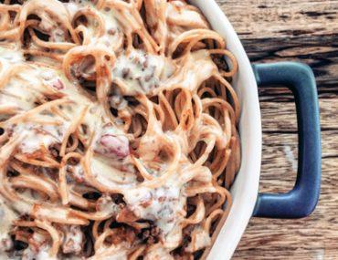 spaghetti bolognese   breadonbutter